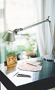 Schreibtischlicht von Artemide - flexibel, augenfreundlich und schön