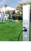 Strom, wo immer Sie ihn im Garten brauchen - mit der Energiesäule von GIRA